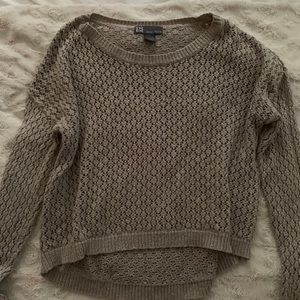 Long sleeve comfy sweater.